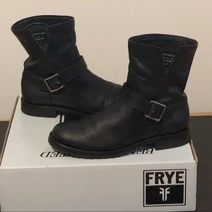 Frye Natalie Short Engineer  Black Leather Sz 8.5